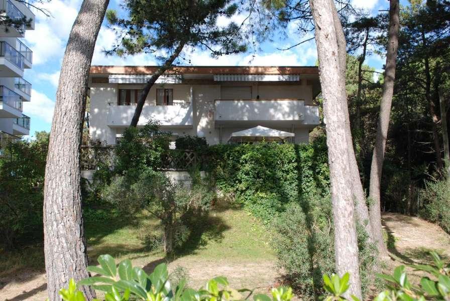 Villa EDDA ***