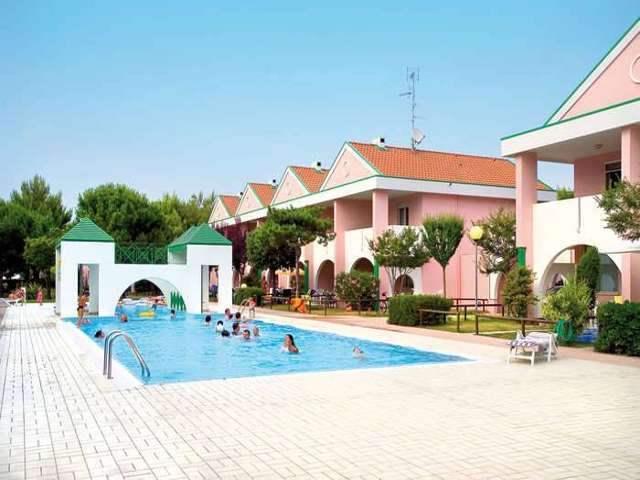 Villaggio GINEPRI *****