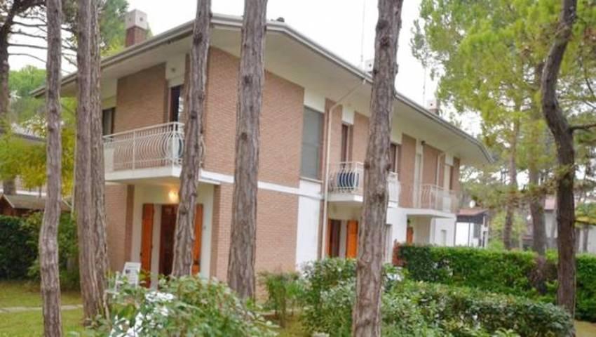 Villa ANNAMARIA ***